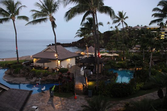 Sheraton Maui Resort & Spa: Pool shortly before sunrise