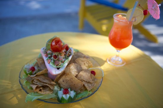 Tropical Paradise Restaurant: Ceviche and Rum Punch