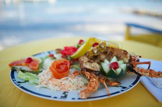Tropical Paradise Restaurant: Fried Fish