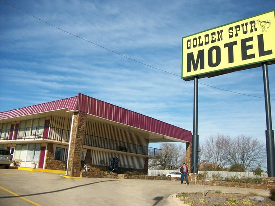 Golden Spur Motel
