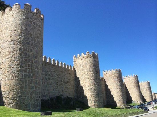 The Walls of Avila : Outside of the wall