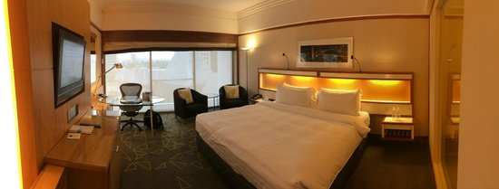 Pan Pacific Singapore: Very spacious Deluxe room