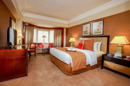 Diamond Hotel Philippines: Deluxe King