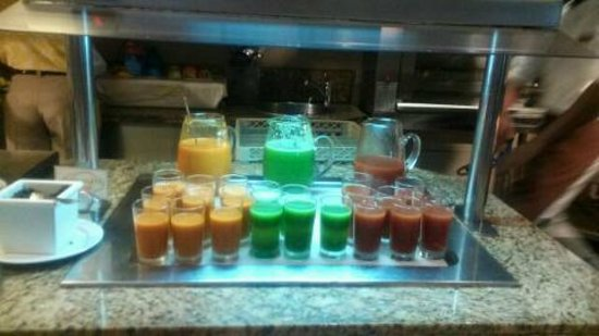 Secrets Wild Orchid Montego Bay: BREAKFAST JUICE BAR,SMOOTHIES (VARIETY OF FLAVORS)FRESH!