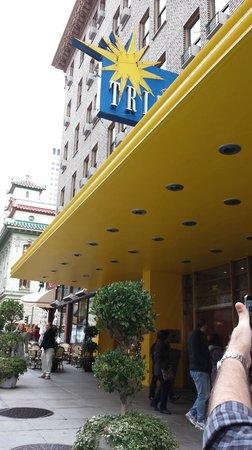 Hotel Triton: Frente linda do hotel