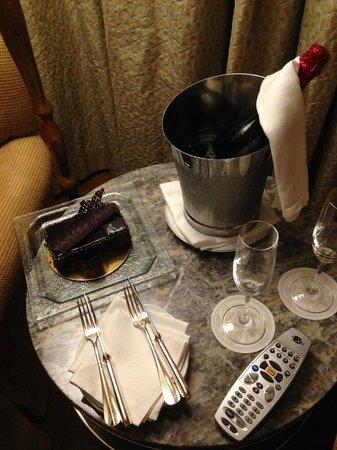 Four Seasons Hotel New York: Birthday Greetings from the Four Seasons