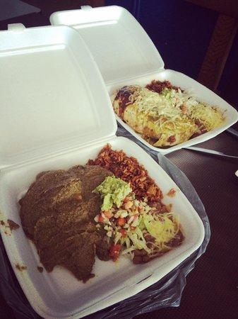Dos Senoritas: Seafood burro and mole poblano