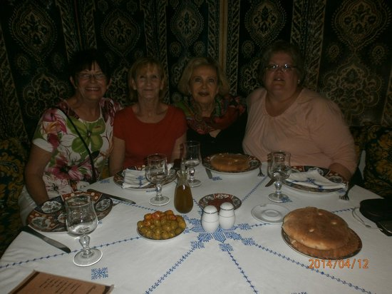 Restaurant dar hatim: We all thoroughly enjoyed the experience!
