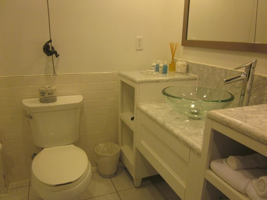 The Saint Hotel, Autograph Collection: Bathroom