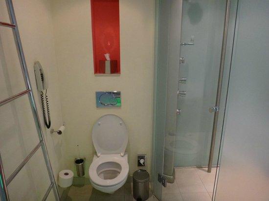Le Meridien Vienna: Banheiro - Detalhe