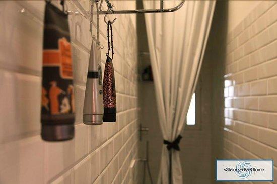 Vallelonga B&B: Shower