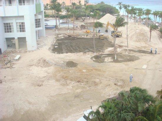 Hotel Riu Palace Aruba: Vista de la primera habitacion.