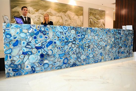 Four Seasons Hotel Buenos Aires: Lobby Greeting