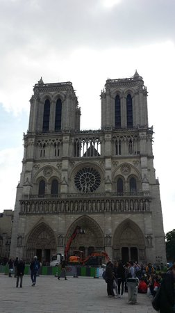 Exterior pic 1 pity some construction going on picture for Exterior notre dame