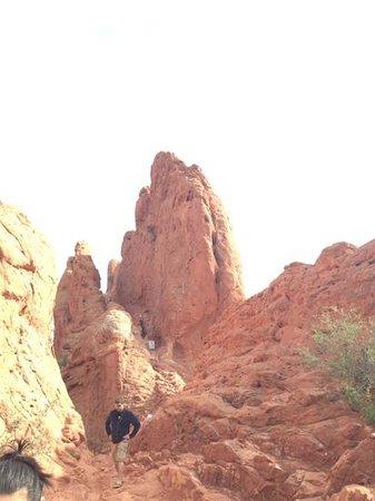 Jardín de los dioses (Garden of the Gods): climbing the rocks in the Garden of the Gods