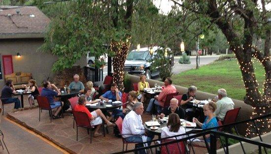 Michael J's Italian Restaurant : More fun on the patio