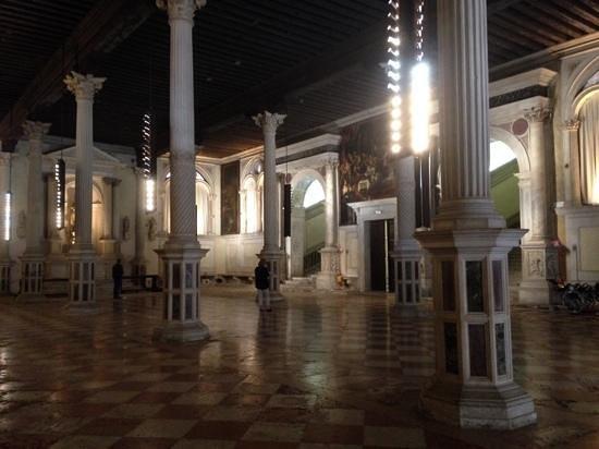 Scuola Grande di San Rocco : The Lower Hall