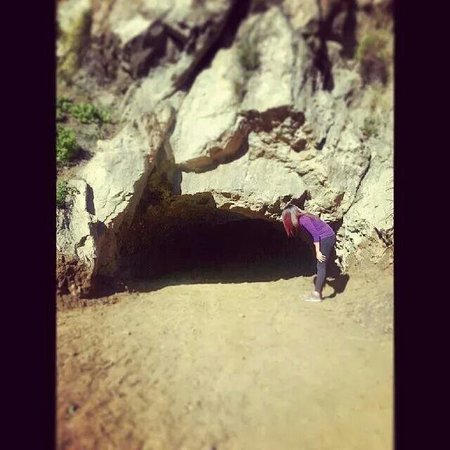 Bronson Caves: Looking for Batman ^-^