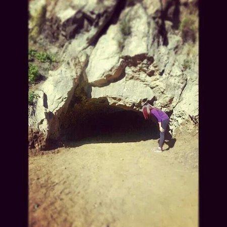 Bronson Caves : Looking for Batman ^-^
