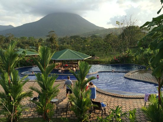 Arenal Manoa Hotel: great kids pool (near swim up bar) Convenient! and beautiful