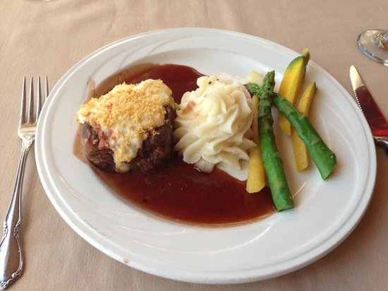 The Cottage : Gorgonzola Encrusted Filet Mignon