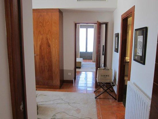 Parador de Turismo de La Granja: Closet area