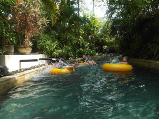 Waterbom Bali : Floating