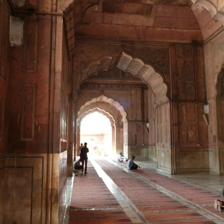 Agra Day Tour Packages: Delhi mosque