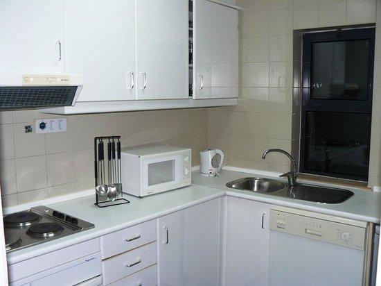 Vila Petra Aparthotel: Kitchen