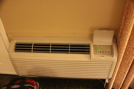 Days Inn Sonora Devils River: Air Conditioner