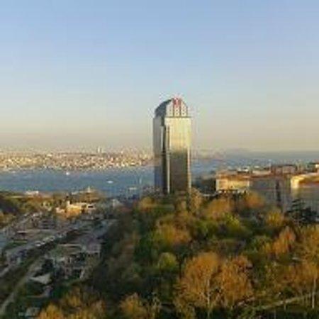 Hilton Istanbul Bosphorus: View from the Executive floor over towards the Bosphorus & Asia