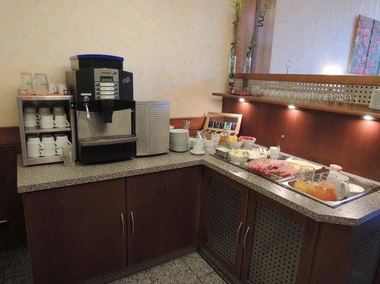 City Hotel Schönleber: 朝食は一階のロビー横です