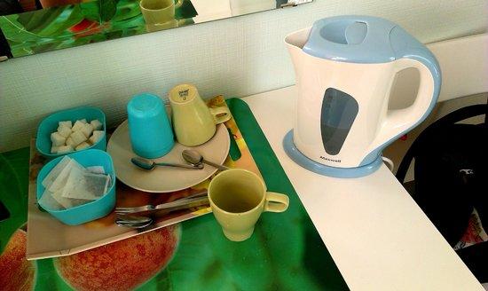 Ascet Hotel: чайный набор в номере