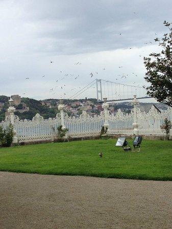 Kucuksu Pavilion: вид на мост