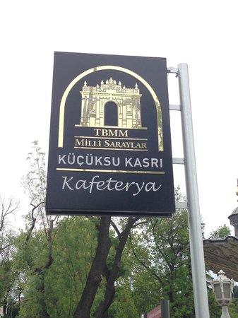 Kucuksu Pavilion: Это кафе в котором можно поесть