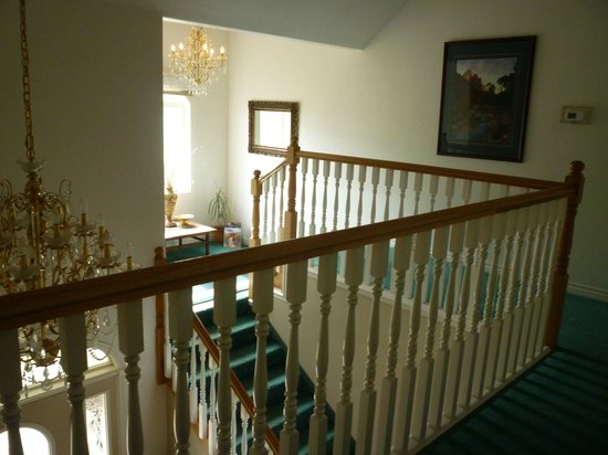 Novel House Inn at Zion: staircase