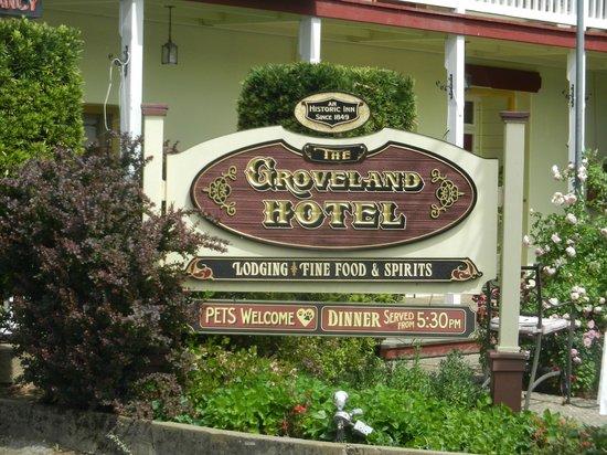 The Groveland Hotel: Sign (daytime)