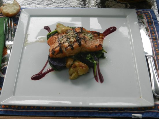 The Groveland Hotel: Grilled Salmon
