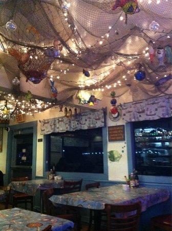 Barbara's Fishtrap : Inside of Barbara's...