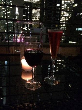 Renaissance New York Hotel 57: drink on the roof with a view