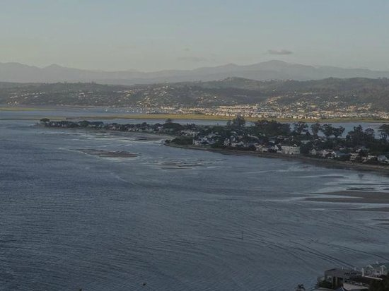 Knysna Heads: Looking back towards Knysna.