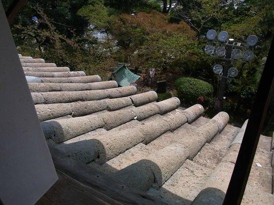 丸岡城, 06 天守の屋根瓦(石瓦)