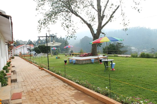 Treebo Yantra Leisures: Awesome lawn for relaxation