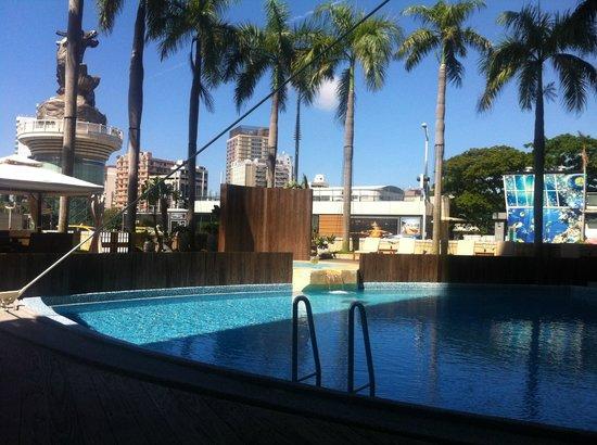 Ambassador Hotel Kaohsiung: of the pool