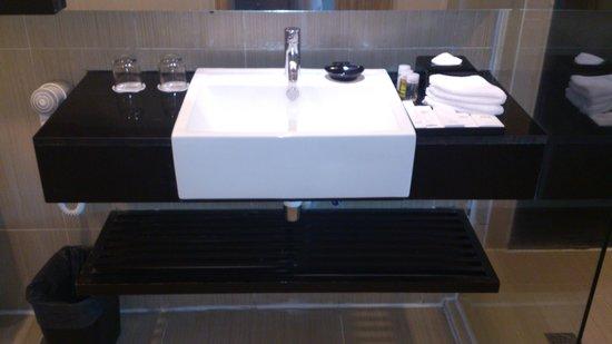 The Klagan Hotel: Bathroom wash sink