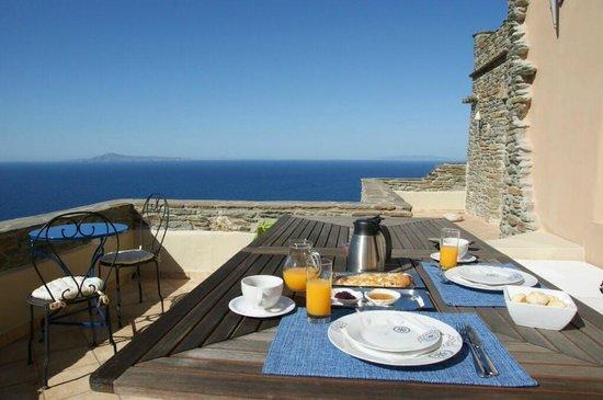 Aegean Castle: BREAKFAST