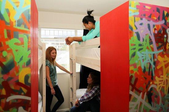 ونس إن كايب تاون: Ladies Only dorms available, private bathroom