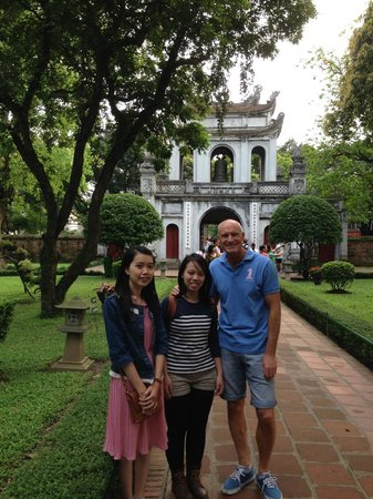 HanoiKids Tour: At the Temple of Literature