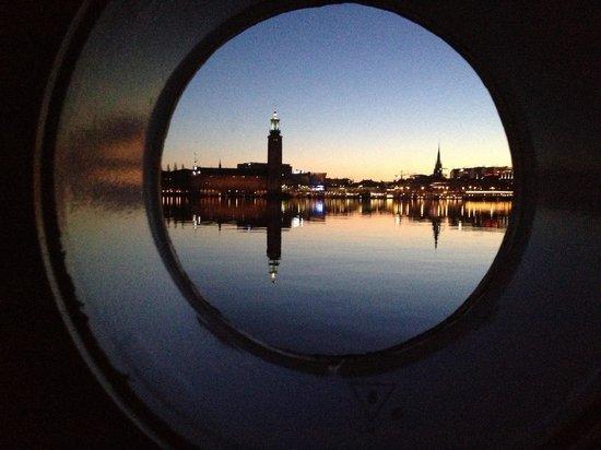 Loginn Hotel : Ore 2,40.... L'alba di Stoccolma dalla stanza 205