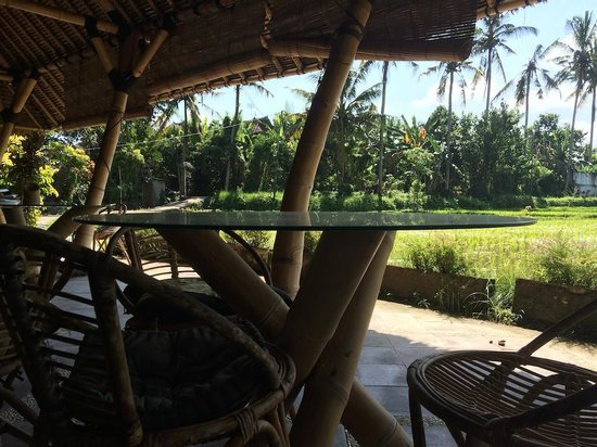 Bamboo Village Le Sabot Ubud: Other side of Le Sabot, another seating area with more beautiful views over rice fields.